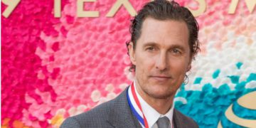 Matthew McConaughey On No Mask Restrictions In Texas | Buzzenga