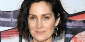 Carrie-Anne Moss Was Offered A Grandmother Role At Age 40 | Buzzenga