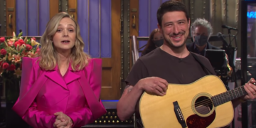 [WATCH] Marcus Mumford in Carey Mulligan's 'SNL' Monologue