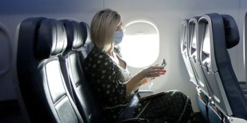 Empty Airplane Rows May Drop COVID Risks From 23% To 53% | Buzzenga